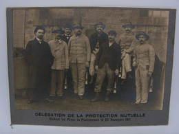 Photographie Ancienne Delegation De La Protection Mutuelle Visitant Les Mines De Montrambert Le 20 Novembre 1911 Mineurs - Beroepen