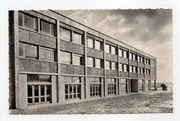 - CPSM SURESNES (92) - CENTRE NATIONAL D'EDUCATION DE PLEIN AIR - Pavillon Des Stagiaires - Editions Gallois N° 10 - - Suresnes