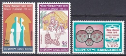 Bangladesch Bangladesh 1974 Gesellschaft Society Soziales Familie Familienplanung Family Planning, Mi. 52-4 ** - Bangladesch