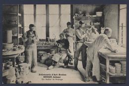 Faiencerie D'art Breton Henriot Quimper Un Atelier De Moulage - Quimper