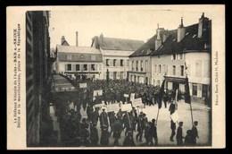 Bar-sur-Seine, Defile De La Manifestation, Place De La Republique, Animé (10) - Bar-sur-Seine