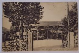 Bussang : L'entrée Et La Cour Du Théâtre Du Peuple - Bussang