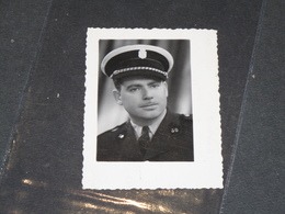 """VERVIERS - POLICE COMMUNALE - 9/5/63 -  Photo/portrait Un Policier. Dédicace """"A Hubert De Son Ami Julien."""" - Police & Gendarmerie"""