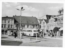 2120  UECKERMÜNDE, KARL-MARX-PLATZ  1972   IKARUS BUS - Ueckermuende