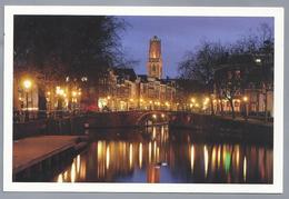 NL.- UTRECHT. Zicht Op Zandbrug, Oudegracht En Domtoren. Foto Donker Utrecht - Kerken En Kathedralen