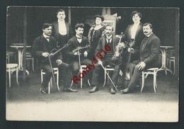 FARCIENNES - Musiciens Devant Restaurant. Scan Recto/verso. Carte Rare. - Farciennes