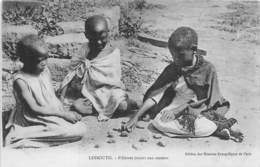 Lesotho / 06 - Fillettes Jouant Aux Osselets - Lesotho