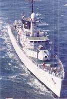 """BATEAU MILITAIRE  """"F911""""   En Mer - Schiffe"""