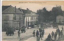 CPA - France - (55) Meuse - Revigny - Place De La Gare Et Passage à Niveau - Revigny Sur Ornain