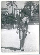 Photo Originale Jeune Femme élégante à Nice - Pin-Ups