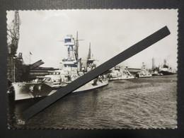 """Le Havre - Carte Photo - Le Bassin De Marée - L'escadre Américaine Au Fond Le Paquebot """" Normandie """" TBE - Le Havre"""