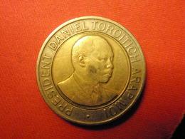 KENYA Coin 20 Shillings Daniel Arap Moi 1998 VF KM #32 - Kenya