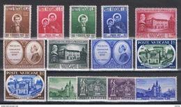 VATICANO:  1957  ANNATA  CPL. -  14  VAL. N. -  SASS. 219/32 - Annate Complete