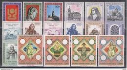 VATICANO:  1973  ANNATA  CPL. -  17  VAL. N. -  SASS. 534/50 - Vaticano