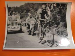 Photo Associated Press Photo - TOUR DE FRANCE 19?? - KUBLER - JEEP - Format : 18 X 13 Cm - Cyclisme