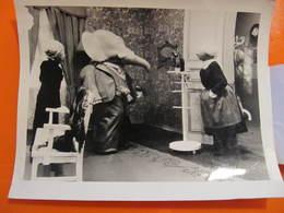 Photo O.R.T.F. - BABAR ET LA VIEILLE DAME - Format : 18 X 13 Cm - Célébrités
