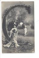 21256 - Femme Ombrelle Et Enfant  Carte Avec Lettre C Vers 1905 - Femmes
