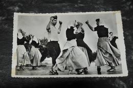 4445  BARCELONA, LA TIROTITAINA - Bailes