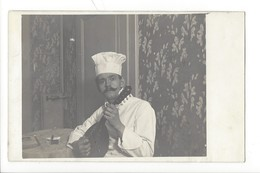 21264 - Carte Photo Cuisinier Musicien Vers 1953 Probablement Boudry Hôtel Lion D'Or - Cartes Postales
