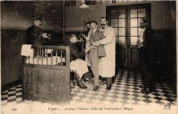 CPA PARIS 15e Institut Pasteur. Salle De Vaccination ND Phot. (573725) - Arrondissement: 15