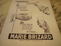 ANCIENNE PUBLICITE PLAISIR D ETE   MARIE BRIZARD A L EAU  1954 - Alcools