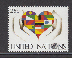 2006 UN New York Stylised Flag In Heart & Hands Set Of 1 MNH - New-York - Siège De L'ONU