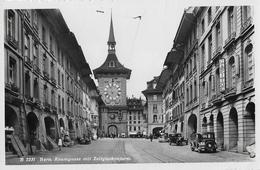 BERN → Kramgasse Mit Zeitglockenturm Und Oldtimer BE-11215, Fotokarte Ca.1940 - BE Bern