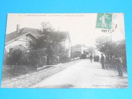 47 ) La Sauvetat-sur-lède - La Grand'rue Et L'arrivée Des Tramways  : Année 1915 : EDIT - Chabrié - Autres Communes