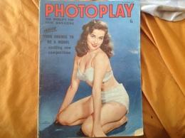 Revue On Parle De Marilyn Monroe, PHOTOPLAY Article 5 Pages Et Autres Acteurs Americain - Livres, BD, Revues