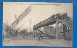 79 * THOUARS -  NOUVELLE PASSERELLE DE LA GARE  - PASSAGE À NIVEAU - Thouars