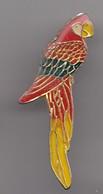 Pin's Perroquet Réf 8353 - Dieren