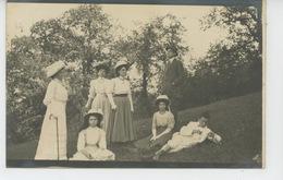 ANNECY - Belle Carte Photo Famille Femmes élégantes Enfants Homme En Ballade à La Montagne - Photo Ad. PARIOT à ANNECY - Annecy