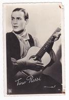 Spectacle Chansons Artiste Chanteur Tino Rossi Avec Sa Guitare N°119 - Artistas