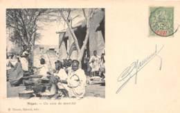 Niger - Topo / 02 - Un Coin De Marché - Belle Oblitération - Niger