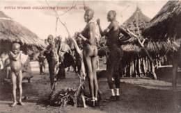 Ouganda - Ethnic / 05 - Shuli Women Collecting Firewood - Uganda
