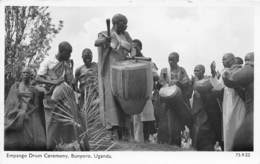 Ouganda - Ethnic / 07 - Empango Drum Ceremony - Oeganda