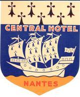 ETIQUETA DE HOTEL   - CENTRAL MOTEL  -NANTES  -FRANCIA - Etiquetas De Hotel
