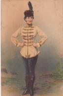 AK Frau In Uniform 1902 Husaren  Ungarn Kleid Tracht - Personen