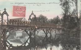 MONTGERON : La Passerelle Henri IV Sur L'Yères. ( Personnage En Suspension ?) - Montgeron