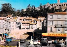 04 - SISTERON : L'Avenue Paul Arène ( Brasserie CANTEPERDRIX - Tube Citroen ) CPSM Grand Format - Alpes Haute Provence - Sisteron