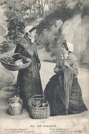 CORREZE - 19 -  Deux Femmes En Costume Local - Frankrijk
