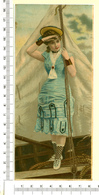 CHROMO LITHO..GRAND FORMAT...H  18 Cm    JEUNE FEMME....SUR UN BATEAU - Vieux Papiers