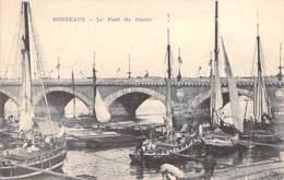 PENICHES Barge - 33 - BORDEAUX : Le Pont De Pierre - CPA - Lastkähne Aken Chiatte Barcazas Barcaças - Embarcaciones