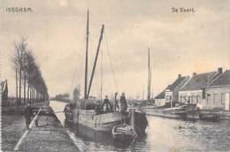 PENICHES Barge ( Belgique ) ISEGHEM De Vaart - PENICHE En Bon 1er Plan - CPA - Lastkähne Aken Chiatte Barcazas - Embarcaciones