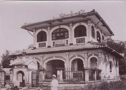 Photo Originale Albuminée Circa 1900  Indochine Viet Nam,   Maison Commune à Thudaumont - Luoghi