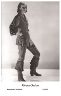 GRETA GARBO - Film Star Pin Up PHOTO POSTCARD- Publisher Swiftsure 2000 (65/644) - Postales