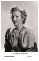 MARILYN MONROE - Film Star Pin Up PHOTO POSTCARD- Publisher Swiftsure 2000 (201/852) - Postales