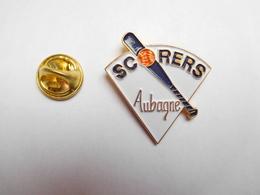 Superbe Pin's , Baseball , Scorers , Aubagne , Bouches Du Rhône - Honkbal