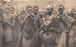 Ruanda Urundi / 05 - Groupe D'indigènes De Race Bahutu - Ruanda-Urundi