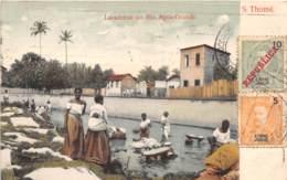 Sao Tome Et Principe / 11 - Lavadeiras No Rio Agua Grande - Belle Oblitération - Sao Tome Et Principe